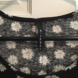 B Jewel Tops - Black floral fitted cotton top